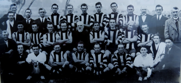 Ivanhoe's 1921 premiership team.